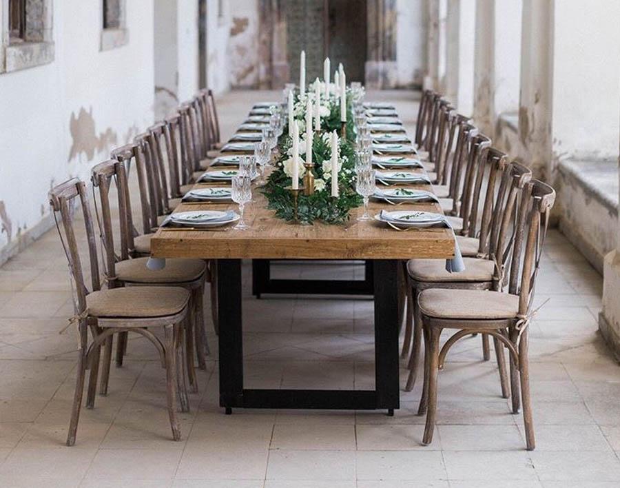 azuolinis stalas